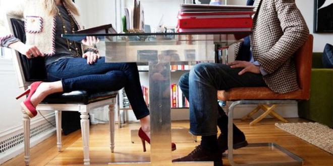 Mowa ciała nóg – Pozycje siedzące