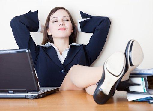 Gesty nóg – pozycje siedzące część druga