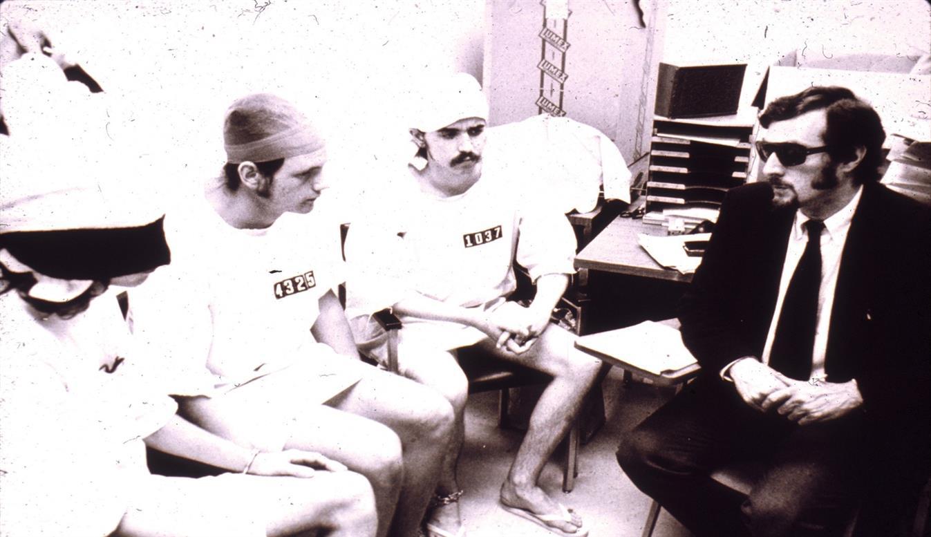 stanfordzki-eksperyment-wiezienny-komisja